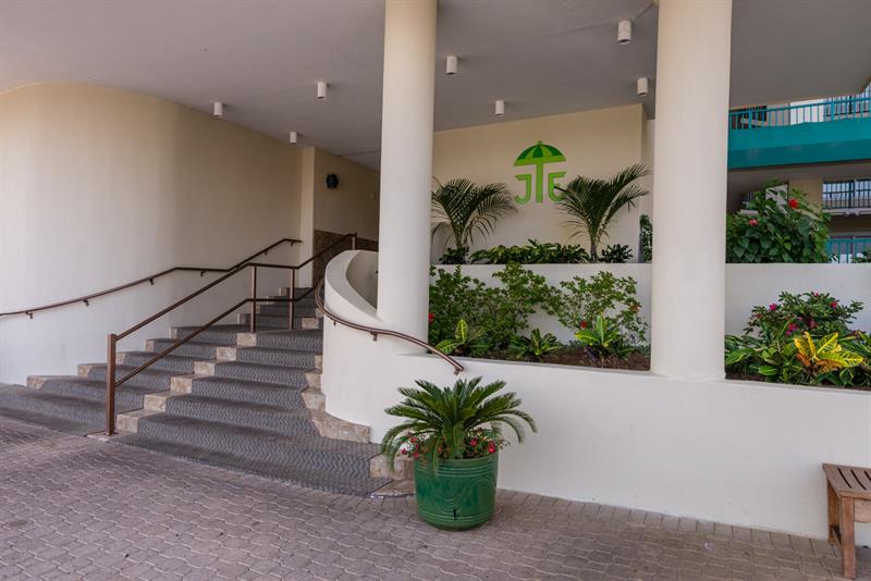 Front Entrance of Jade East