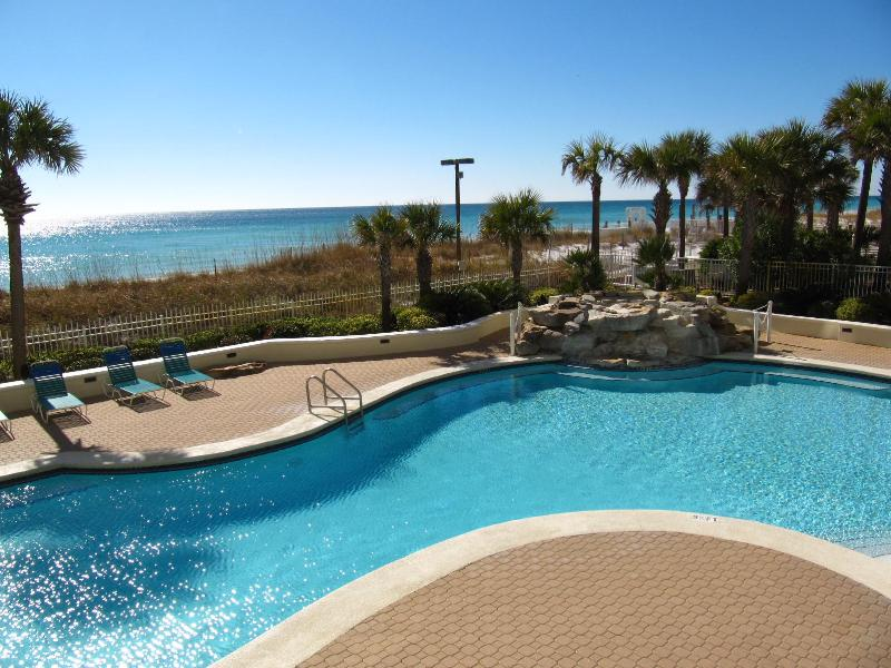 Refreshing Gulf front pool